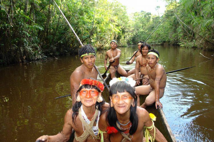 region costa ecuador comunidad indigena
